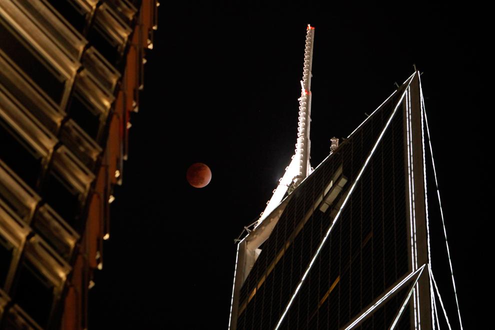 [The Big Picture] Hình ảnh nguyệt thực đêm 10/12/2011
