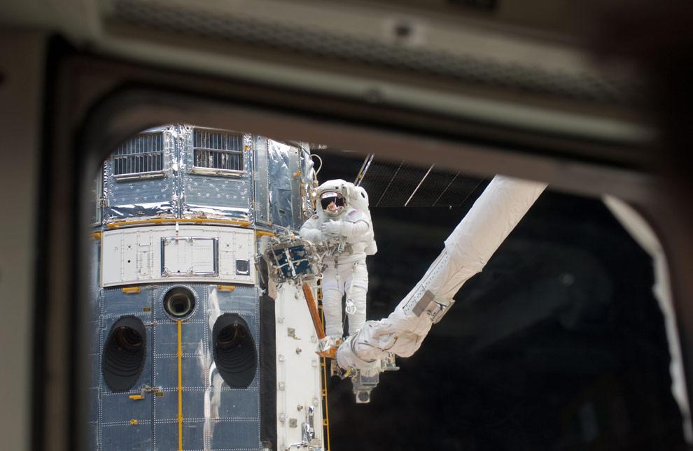 El Hubble y el Astronauta