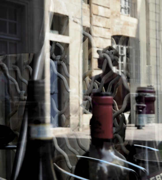 """""""Caught in Reflection"""" (The Wine Bar Rue des Bahutiers, Bordeaux) © R.S. Whitney 2016"""