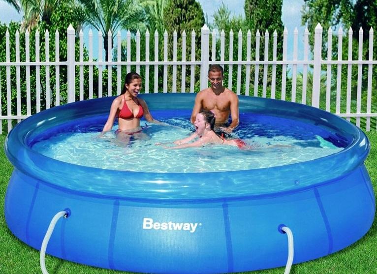 piscina-hinchable-jardin-familiar