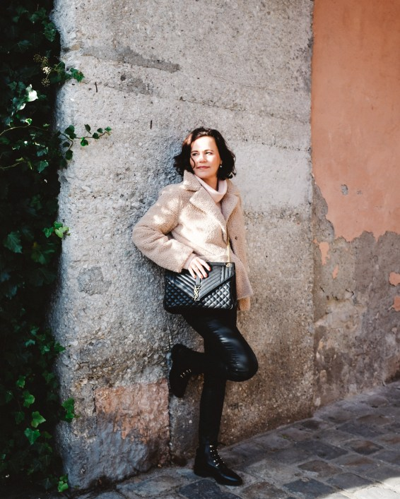 ina stil inastil Herbstoutfit Modeblog Stilberatung Blogwalk Ü50style Herbstmode YSL Tasche Hallein Outfit Streetstyle ageless Herbsttrend Casual Handtasche StylingtippsDSCF1616