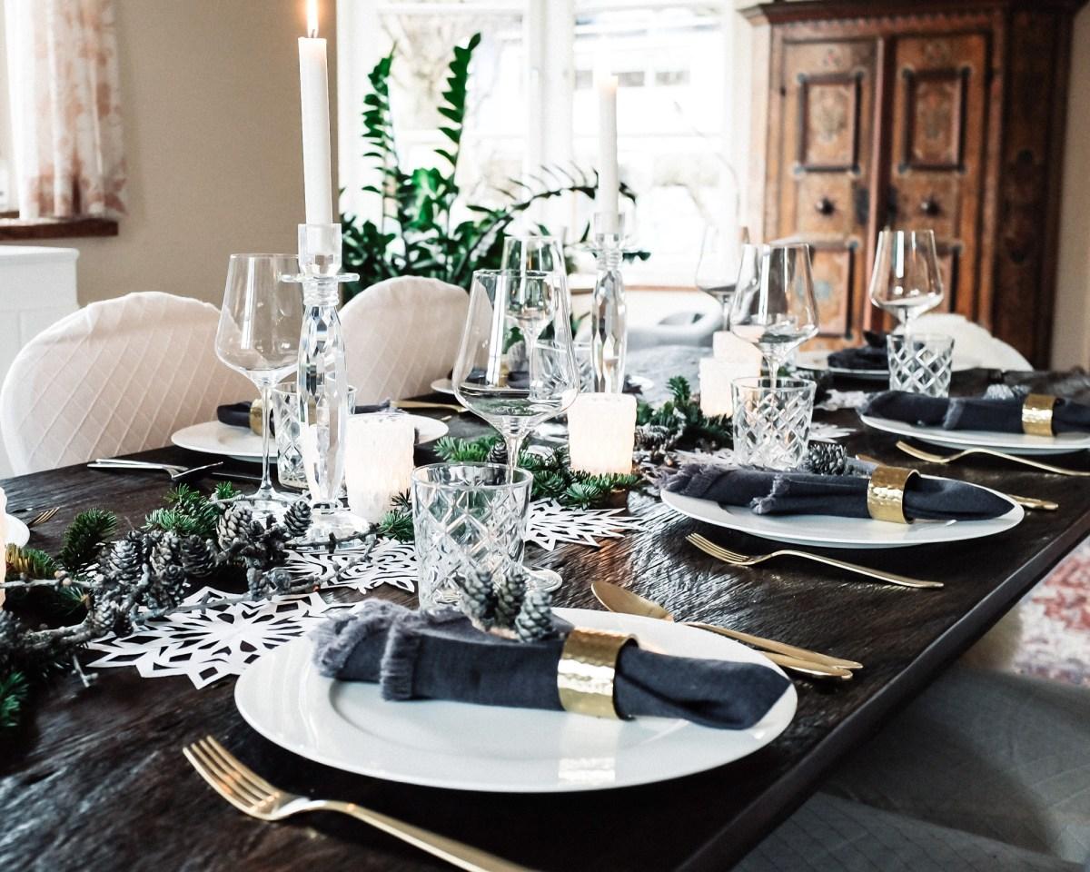 ideen f r eine weihnachtliche tischdekoration schlicht und sch n inastil. Black Bedroom Furniture Sets. Home Design Ideas