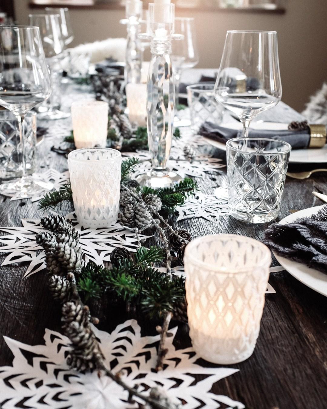 ina stil inastil Tischdekoration Weihnachten Weihnachtsessen Weihnachtssterne Festessen Dekoration christmastime WeihnachtszeitDSCF0872