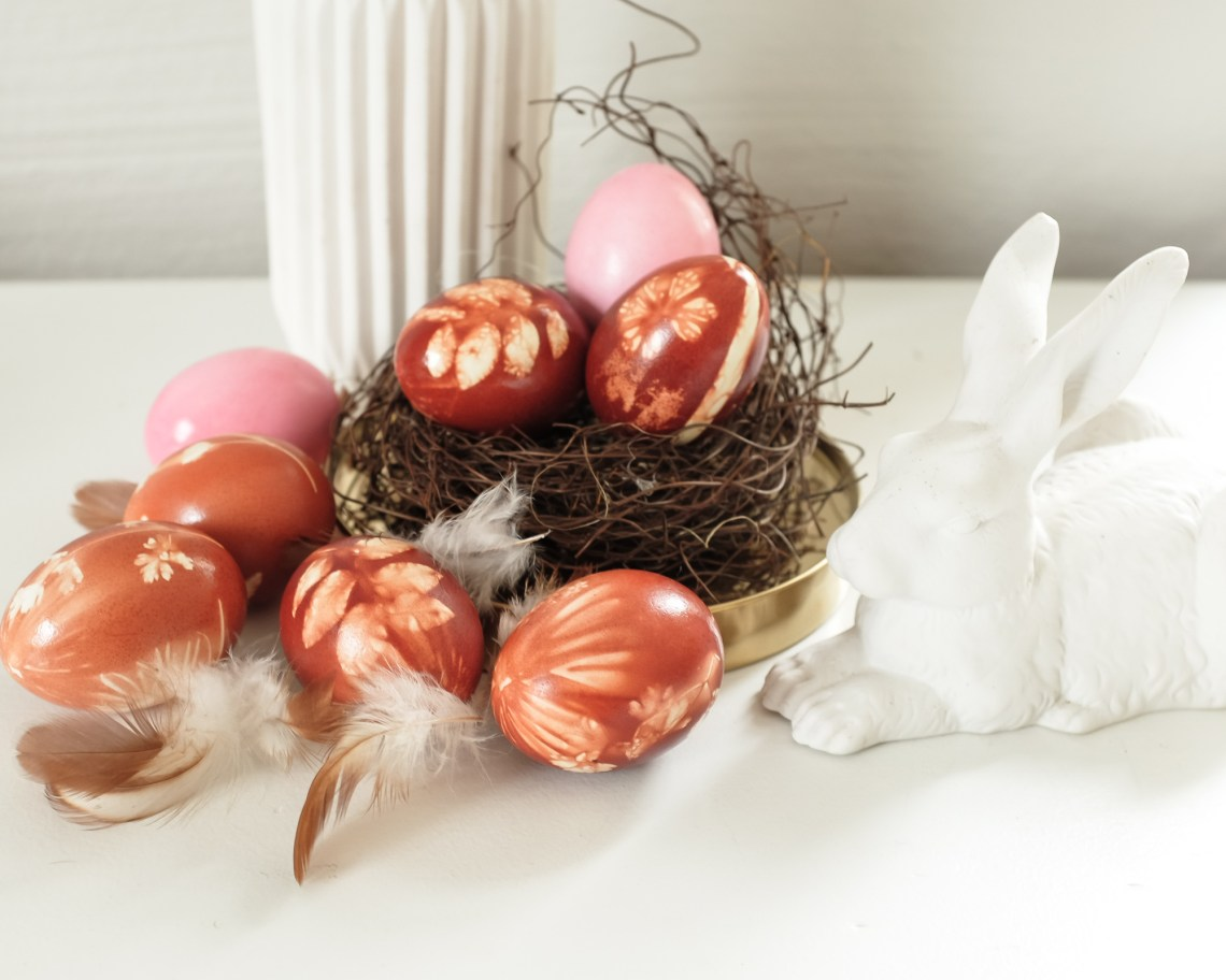 Warten auf den Frühling & Ostereier mit Zwiebelschalen färben - InaStil