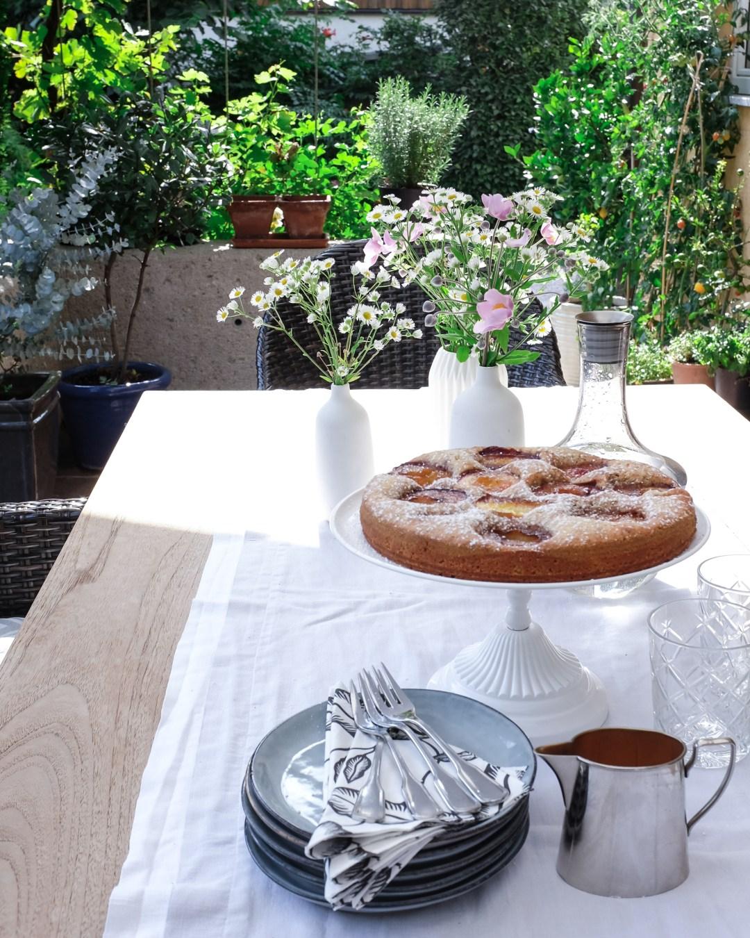 inastil, tomaten, feigen, mein Garten, erste Ernte, Gartenfrüchte, Sommerabend, Nektarinenkuchn, Sommerzeit, Ü50Blogger, Rezept-8
