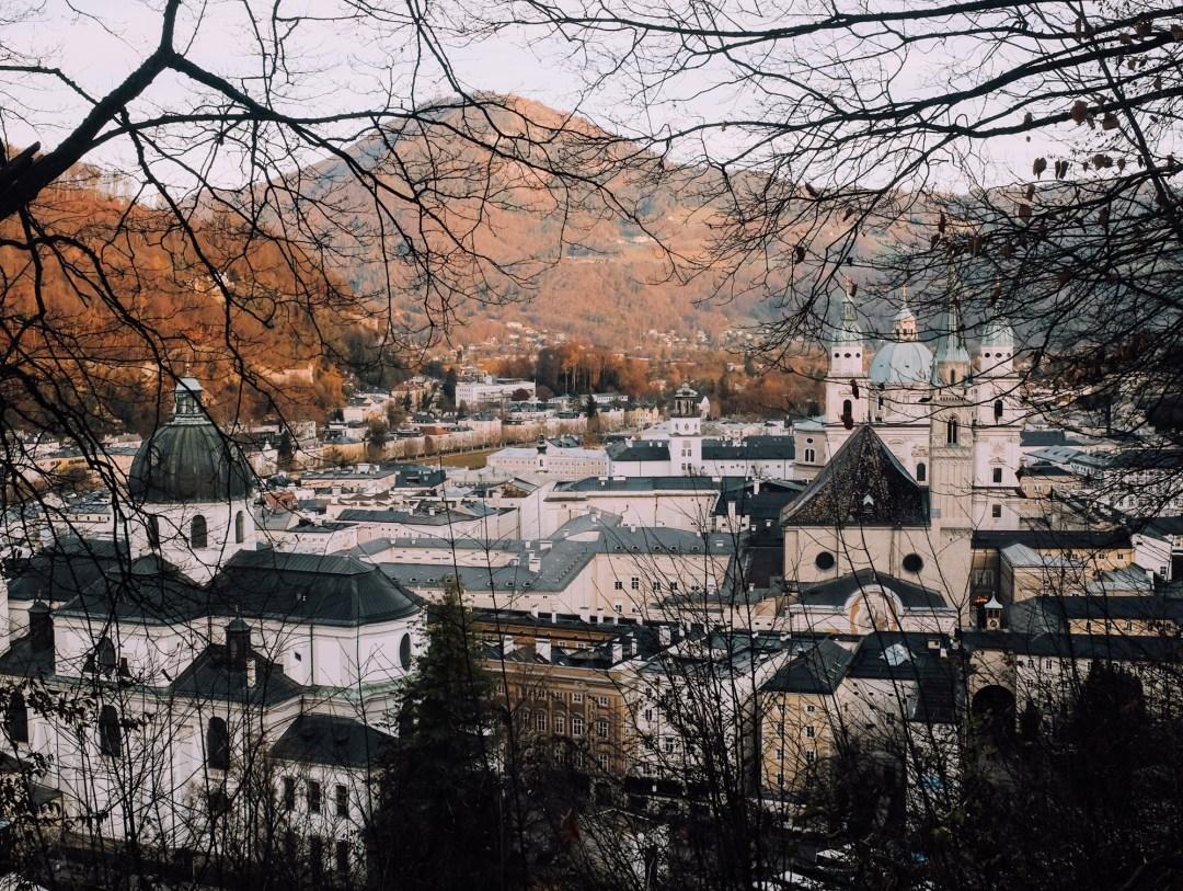 Inastil, Weihnachtszeit, Salzburg, Cityscape, visitsalzburg, Advent, Christkindlmarkt, beautifuldestinations, Winterfest, Zirkus, Cirkuskunst, Akrobatik-2