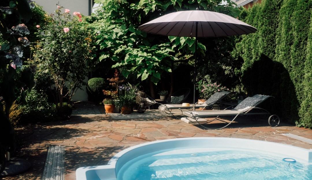 Inastil, Wolfgangsee, Swimmingpool, Baden, Schwimmen, Sommer, Österreich, Nuxe, Ü50, Garten, Ü50Blogger, Stilberatung,_-19