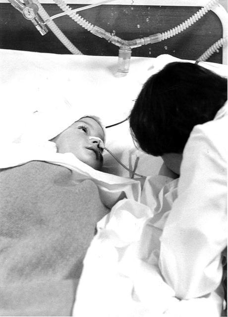Croatia 1992 - wounded child  Photo: Tomas Samogyi