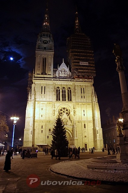 Advent at Zagreb Cathedral, Croatia Photo: putovnica.net