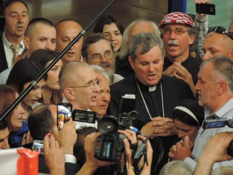 Dario Kordic arrives in Zagreb 6 June 2014 First came tears of joy and a prayer followed (Photo: Marija Tomislava)