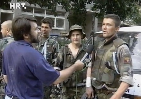 Croat soldiers liberate Knin August 5, 1995