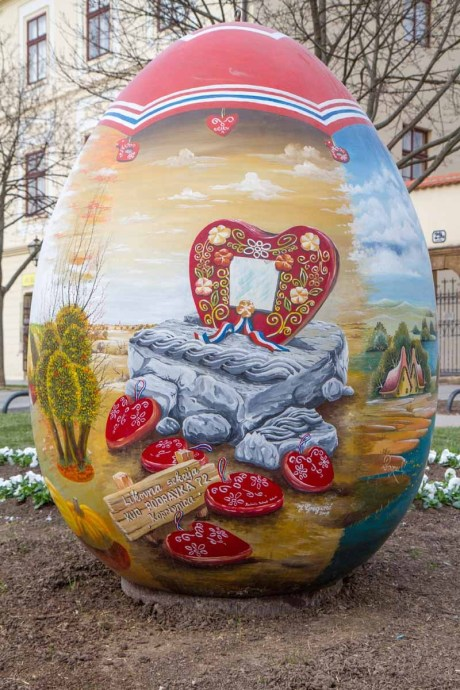 Croatia 2015 Easter big eggs detail