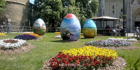 zagreb croatia giant Easter eggs