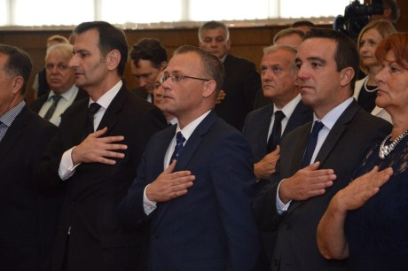 From Left front: foreign and internal affairs minister Miro Kovac, minister for culture Zlatko Hasanbegovic, defence minister Josip Buljevic, minister for employment and retirement Nada Sikic Photo: vlada.gov.hr
