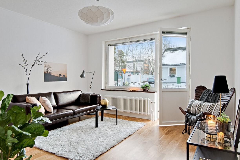 Homestyling av sovalkov och vardagsrum inför försäljning. Vendelsö Skolväg 24. Vi hjälper dig skapa stämningsfulla rum för att hitta rätt köpare till dig. Och önskar du själv hjälp med inredning till nytt nya boende så ordnar vi det också!