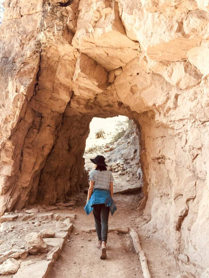 Hiking Bright Angel Trail in Grand Canyon 9