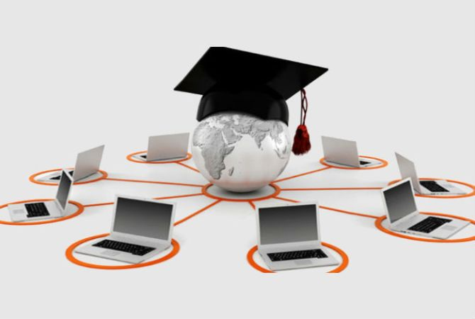 MOOCs Vs Interactive Learning: Which Is The Better Learning Methodology For New Age India?