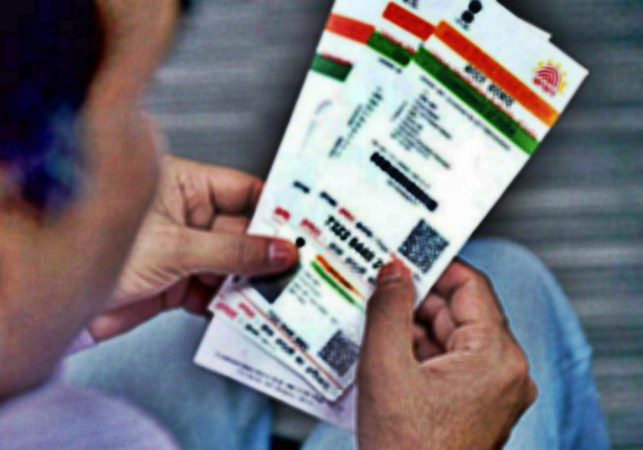 New Petition Says RBI Order For Linking Aadhaar With Bank Account Violates Right To Privacy