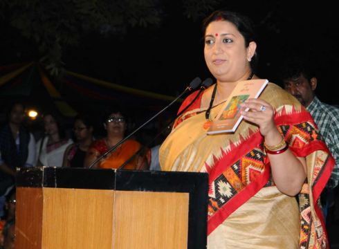 govt-mulling-to-introduce-legislation-for-online-news-and-social-media-content-smriti-irani