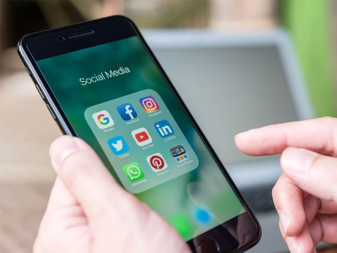 govt-to-issue-fresh-notification-to-curb-objectionable-content-at-social-media-platforms