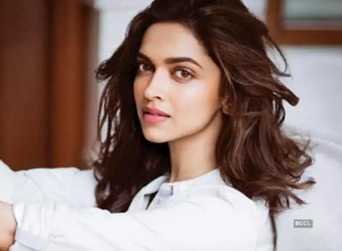 Inc42 Shots | Deepika Padukone Joins The Electric Vehicle Bandwagon
