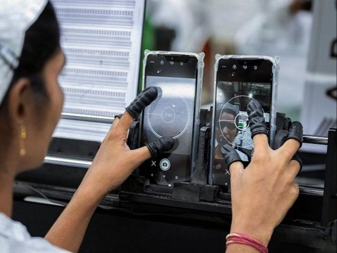 Noida 'Make In India' Hub To Manufacture 30% Of The World's Mobile Phones By 2025