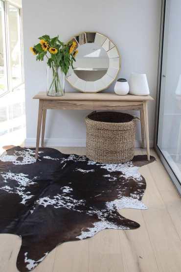 elim-table-wood-nguni-rug