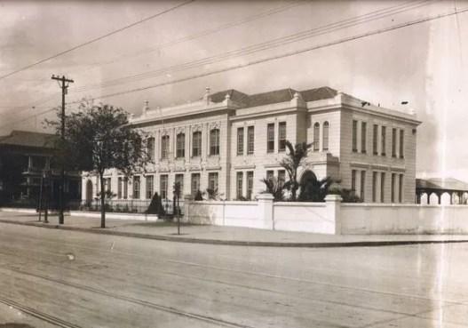 Escola Estadual Rodrigues Alves, antigamente.