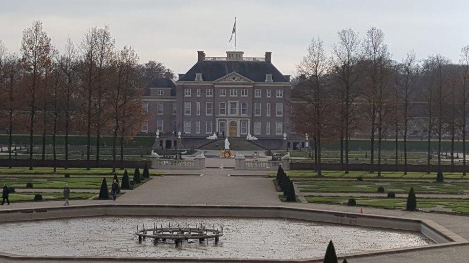 paleis het loo vanuit paleistuinen Apeldoorn