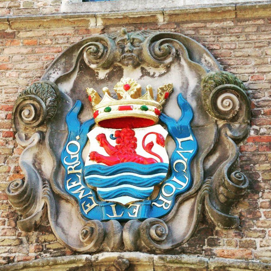 gevel ornament luctor et emergo abdijpllein Middelburg