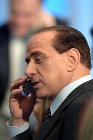 """Berlusconi, telefonate shock a Lavitola """"Facciamo fuori il tribunale di Milano"""""""