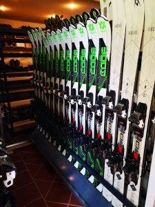 Inchirieri echipamente schi si snowboard din Poiana Brasov