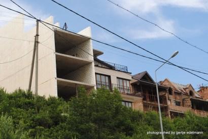 Investruinen, Wohnhäuser, Baustellen