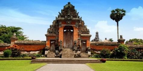 Ulun Danu and Tanah Lot Temple Tour