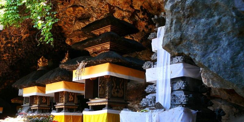Bat Cave Temple Bali