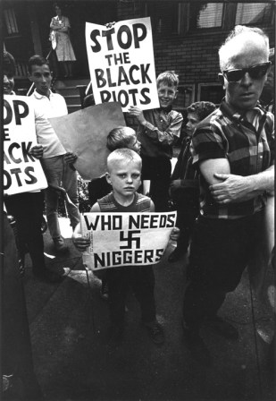 Benedict J Fernandez, Anti black demonstration, Chicago,1959