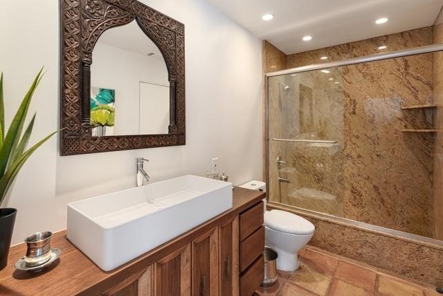 idees deco salle bains marocaine miroir cadre accolade