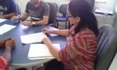 Elita Beltrão, superintendente do Incra no Oeste do Pará, assina o TCT
