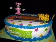 Minnie Goes Bowling
