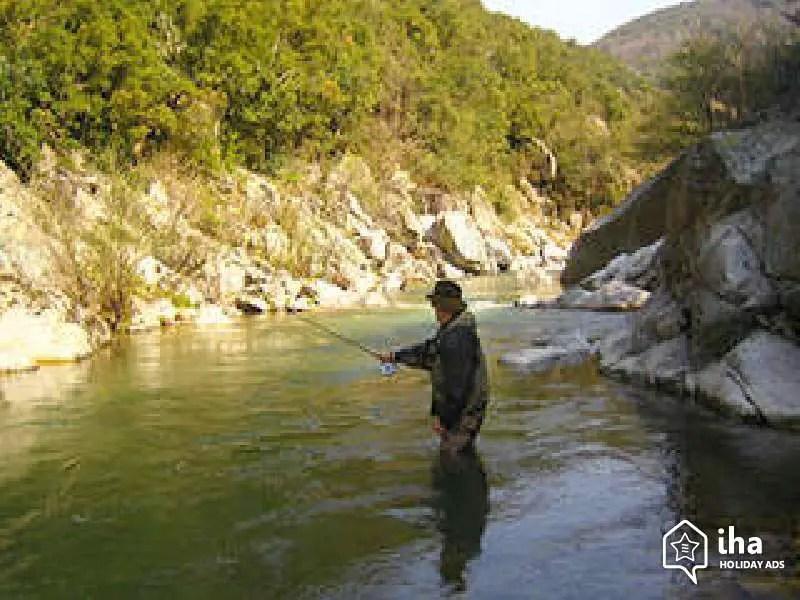 La Pêche en Ardèche : Une Activité au cœur de la Nature