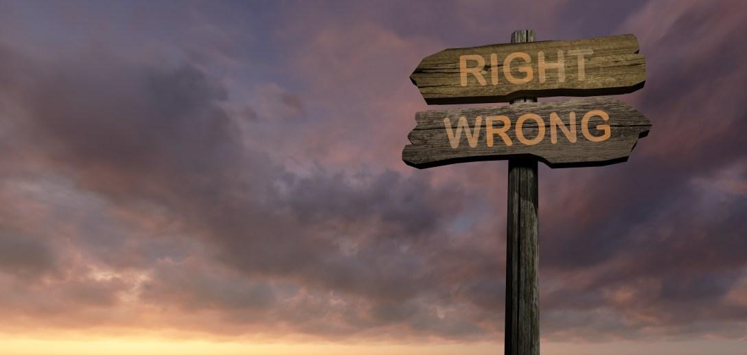sign-direction-right-wrong_MybPiOdu.jpg