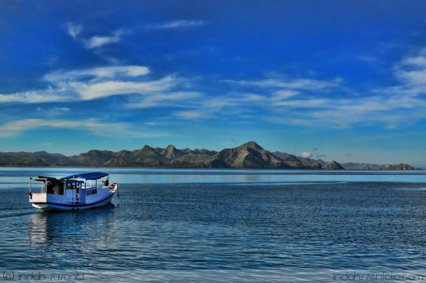 Sailing (Komodo Island, Indonesia)