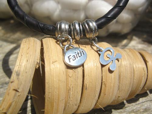Indalo faith bangle