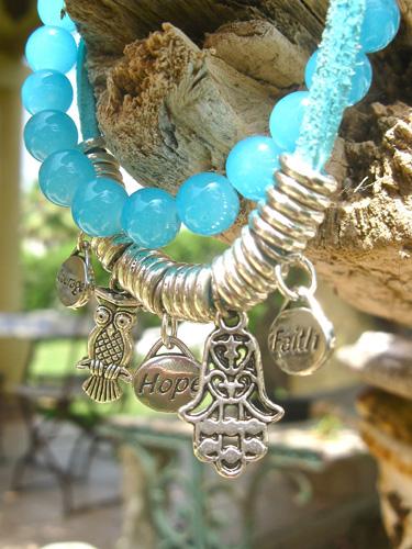 Hand Fatima blue
