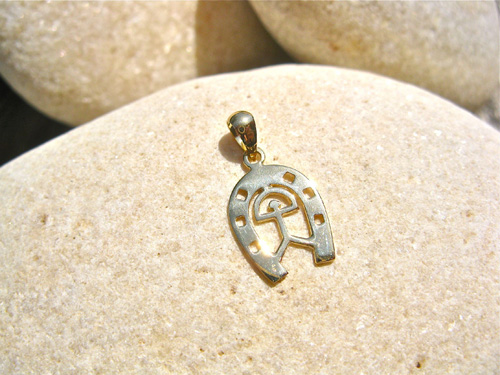 Golden horseshoe charm