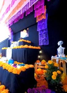 altar de muertos con realidad aumentada