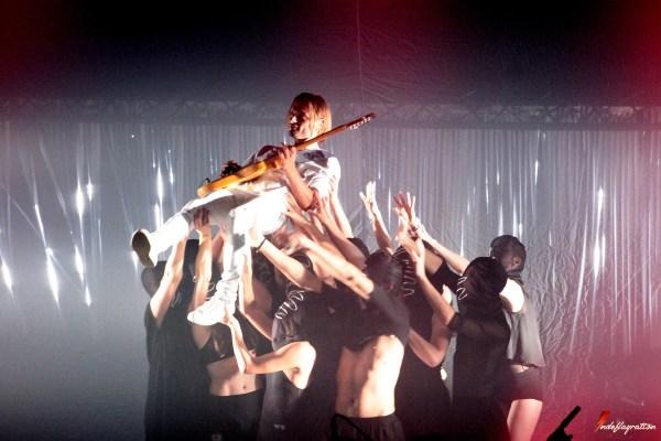 François and The Atlas Mountains en concert exceptionnel à La Cigale, Paris en 2017, avec Flavien Berger en guest star et des danseurs, chorégraphies exceptionnelles