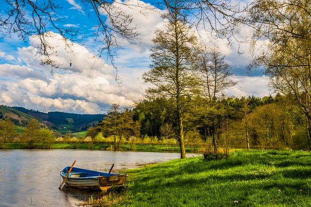 boat-lake-dam