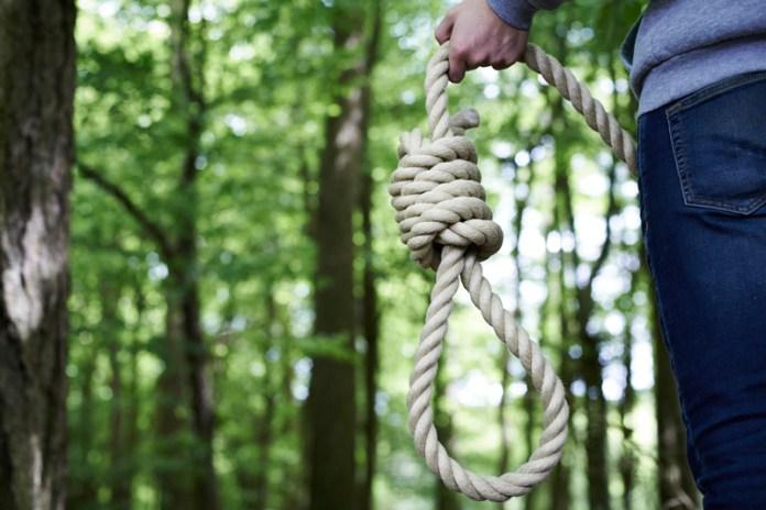 demands to hang