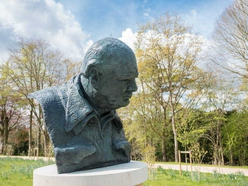 Churchill statue at Blenheim Place - top Winston Churchill sites in England